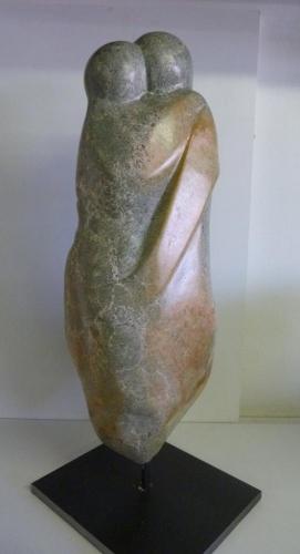 Beeld van Serpentijn op een stalen sokkel 60 cm hoog